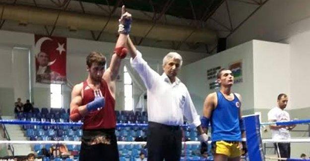 Hüseyin Saka Muaythai Türkiye Şampiyonu