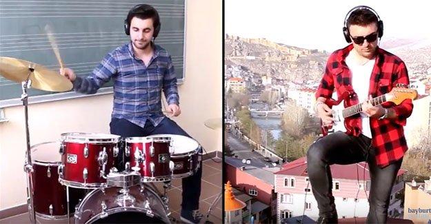 Şehitler için 'Çanakkale Türküsü'nü seslendirdiler