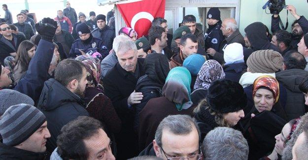 Şehit Ömür Erbay'ın cenazesi baba ocağında