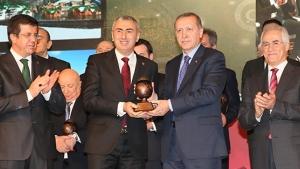 Erdoğan'dan Bayburt Grup'a ödül