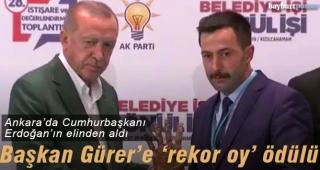 Cumhurbaşkanı Erdoğan'dan Gürer'e 'rekor oy' ödülü
