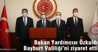 Bakan Yardımcısı Özkaldı, Bayburt Valiliği'ni Ziyaret Etti